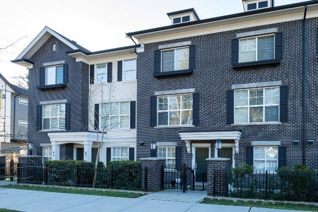 """Main Photo: 62 2469 164 Street in Surrey: Grandview Surrey Townhouse for sale in """"Abbey Road"""" (South Surrey White Rock)  : MLS®# R2140650"""