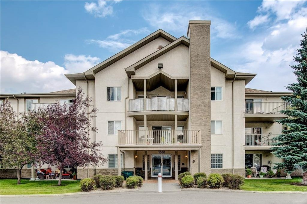Main Photo: #1113 20 HARVEST ROSE PA NE in Calgary: Harvest Hills Condo for sale : MLS®# C4133726