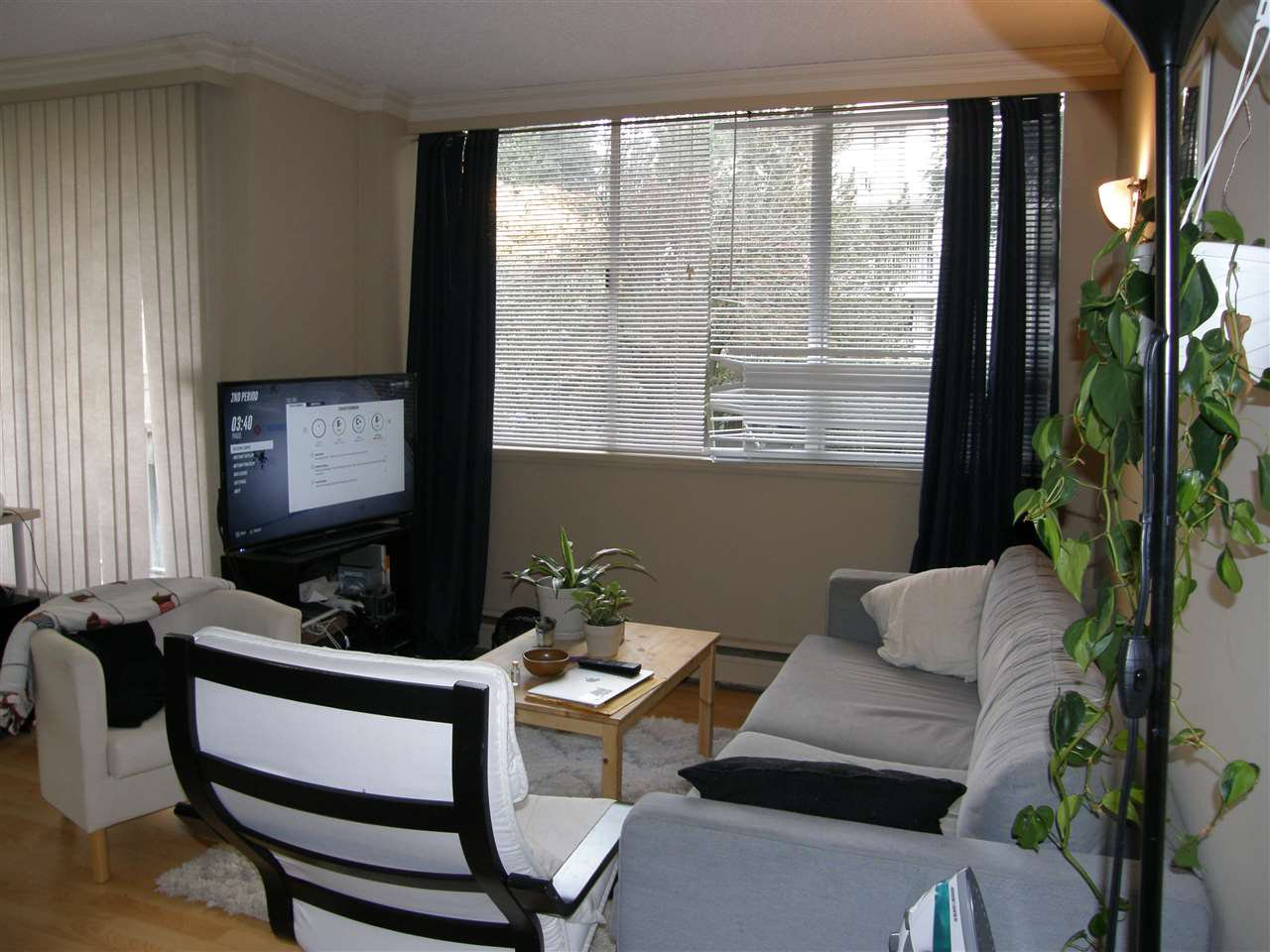 "Main Photo: 201 1785 ESQUIMALT Avenue in West Vancouver: Ambleside Condo for sale in ""SHALIMAR"" : MLS®# R2218911"