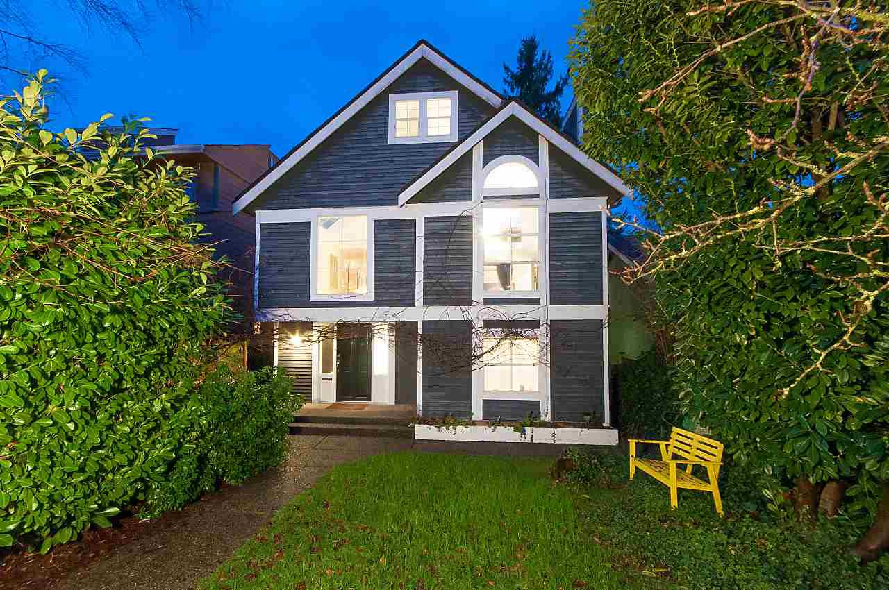 Photo 3: Photos: 4147 W 11TH Avenue in Vancouver: Point Grey House for sale (Vancouver West)  : MLS®# R2243099