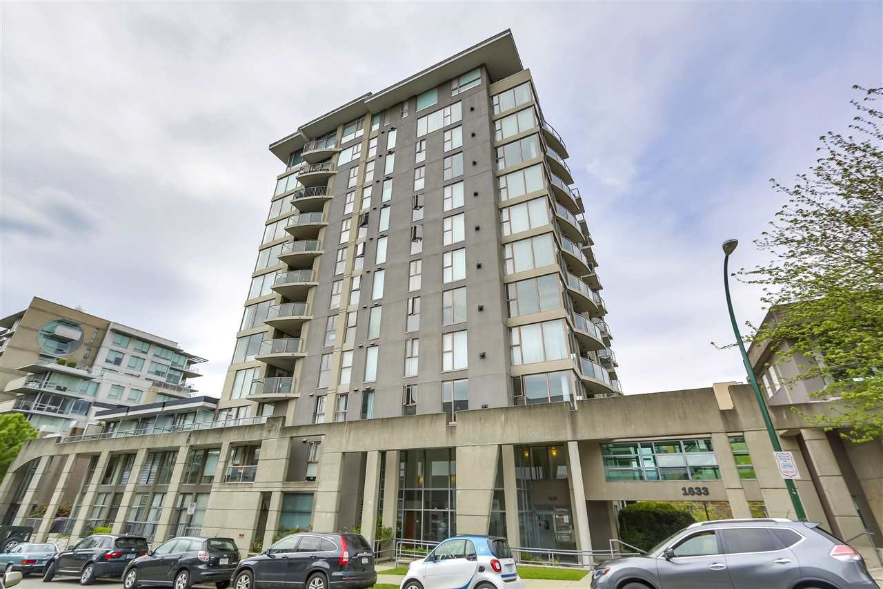 "Main Photo: 404 1633 W 8TH Avenue in Vancouver: Fairview VW Condo for sale in ""FIRCREST GARDENS"" (Vancouver West)  : MLS®# R2265992"