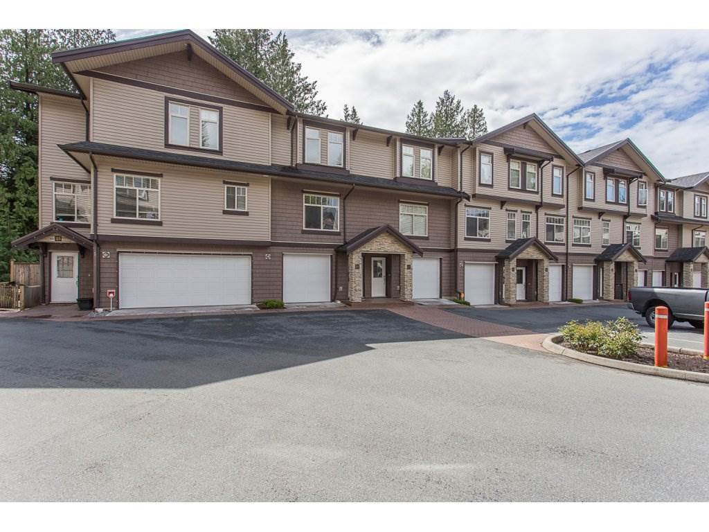 "Main Photo: 26 2950 LEFEUVRE Road in Abbotsford: Aberdeen Townhouse for sale in ""Cedar Landing"" : MLS®# R2265860"