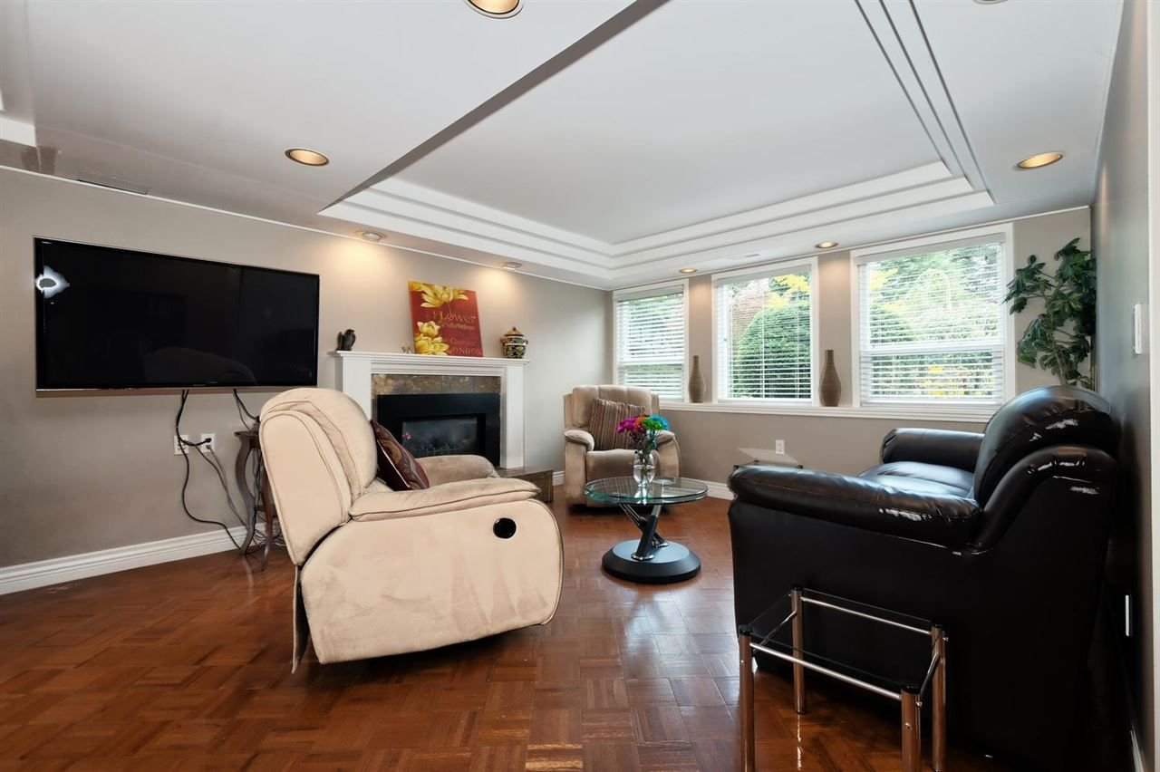 Photo 14: Photos: 610 LIDSTER Place in New Westminster: The Heights NW House for sale : MLS®# R2306437
