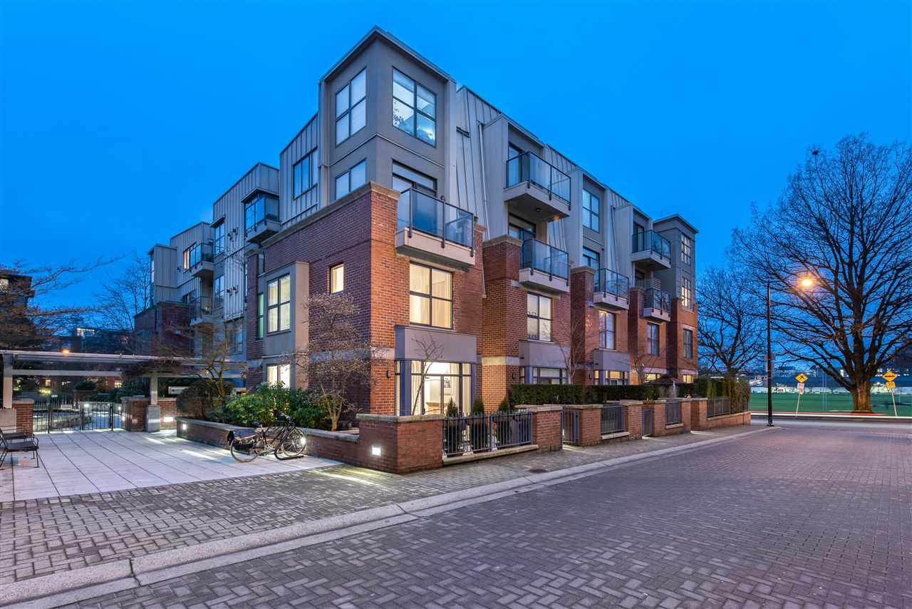 """Main Photo: 105 2688 VINE Street in Vancouver: Kitsilano Townhouse for sale in """"TREO"""" (Vancouver West)  : MLS®# R2335789"""