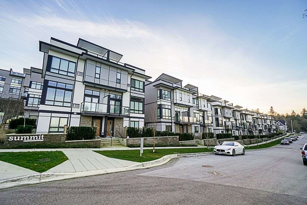 """Main Photo: 75 14058 61 Avenue in Surrey: Sullivan Station Townhouse for sale in """"Summit"""" : MLS®# R2336509"""