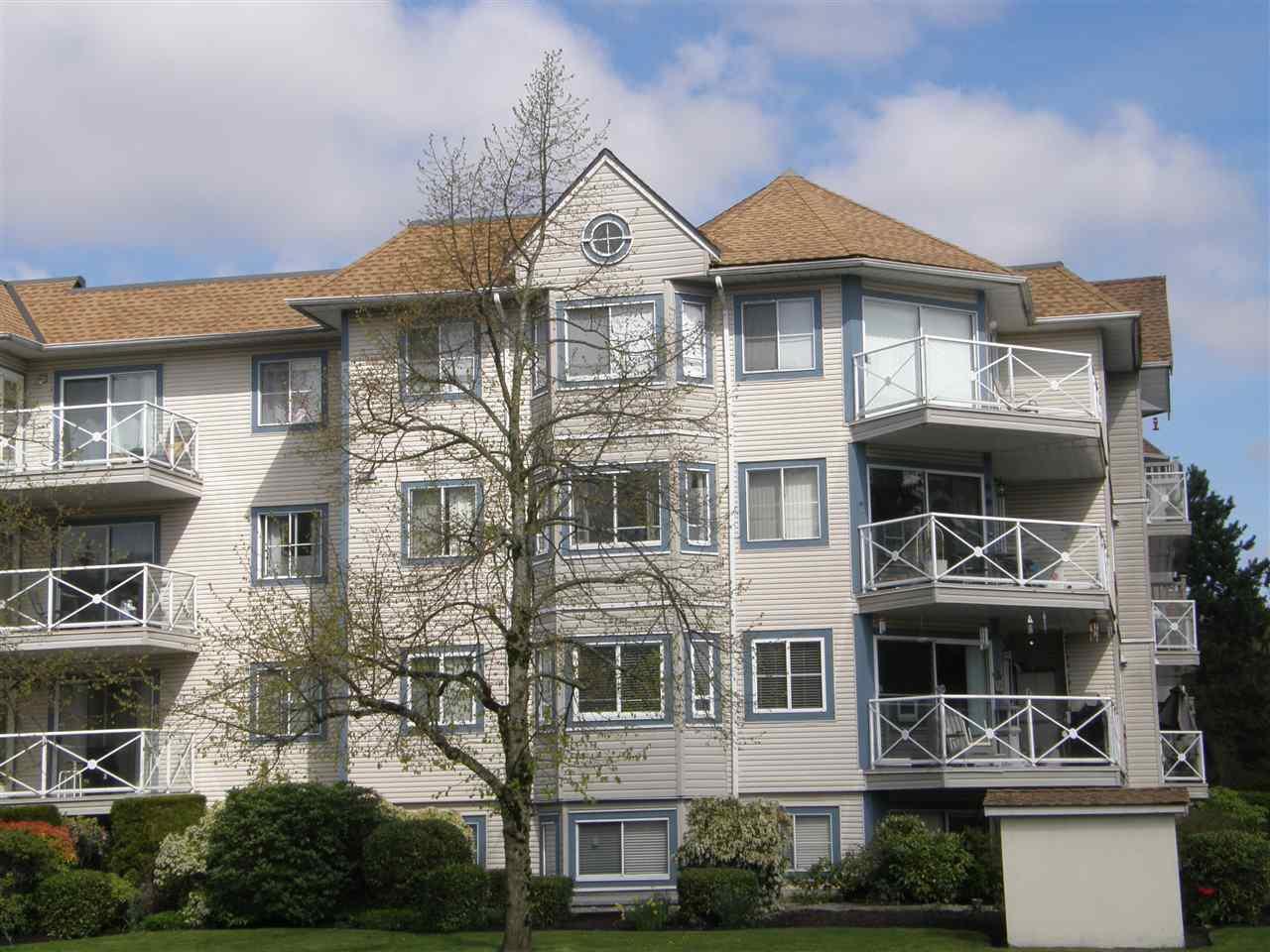 """Main Photo: 511 12101 80 Avenue in Surrey: Queen Mary Park Surrey Condo for sale in """"SURREY TOWN MANOR"""" : MLS®# R2362565"""