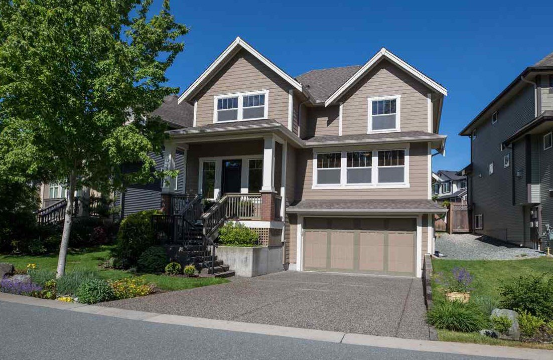 "Main Photo: 7049 208A Street in Langley: Willoughby Heights House for sale in ""Milner Heights"" : MLS®# R2370835"