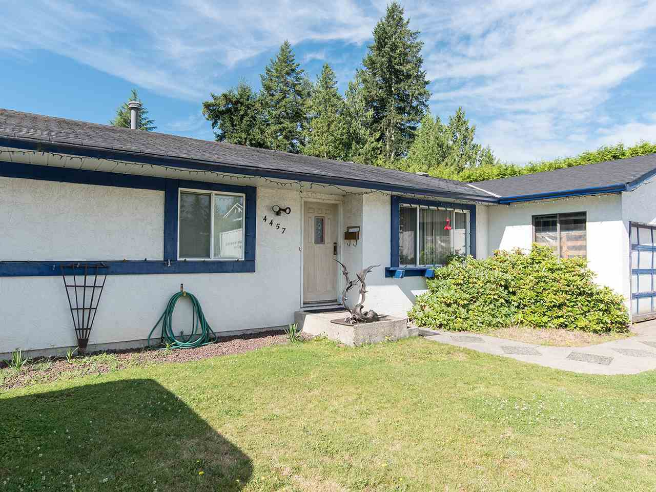 Main Photo: 4457 203 Street in Langley: Langley City House for sale : MLS®# R2481001