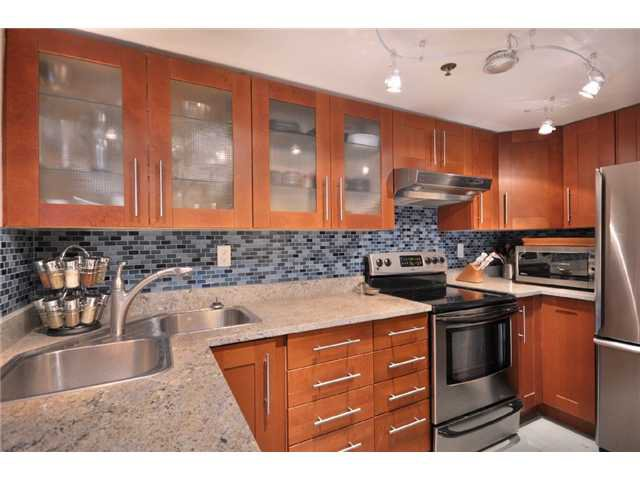 """Main Photo: 109 910 W 8TH Avenue in Vancouver: Fairview VW Condo for sale in """"THE RHAPSODY"""" (Vancouver West)  : MLS®# V871351"""