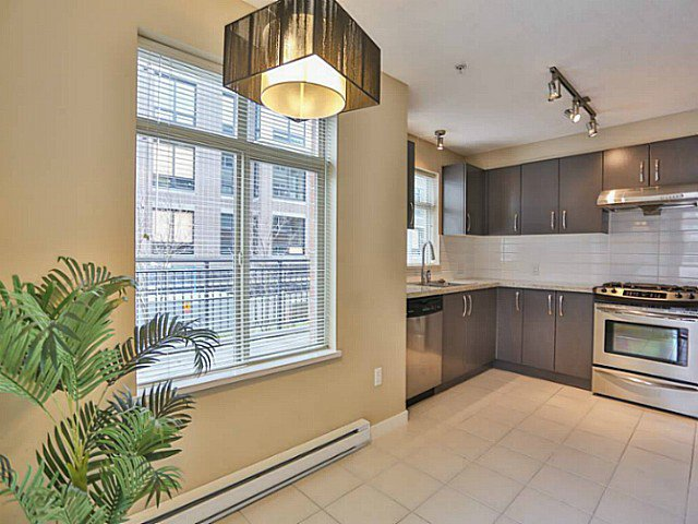 "Photo 3: Photos: 128 9288 ODLIN Road in Richmond: West Cambie Condo for sale in ""MERIDIAN GATE"" : MLS®# V1049628"