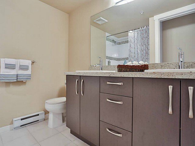 "Photo 7: Photos: 128 9288 ODLIN Road in Richmond: West Cambie Condo for sale in ""MERIDIAN GATE"" : MLS®# V1049628"