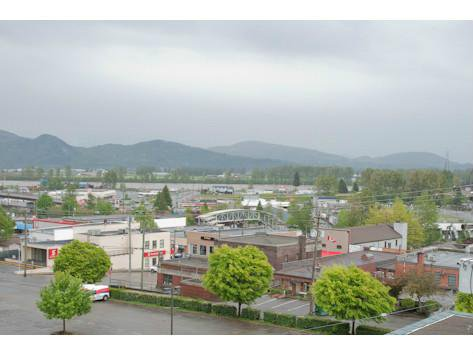 """Photo 10: Photos: 309 33165 2ND Avenue in Mission: Mission BC Condo for sale in """"MISSION MANOR"""" : MLS®# F1411336"""
