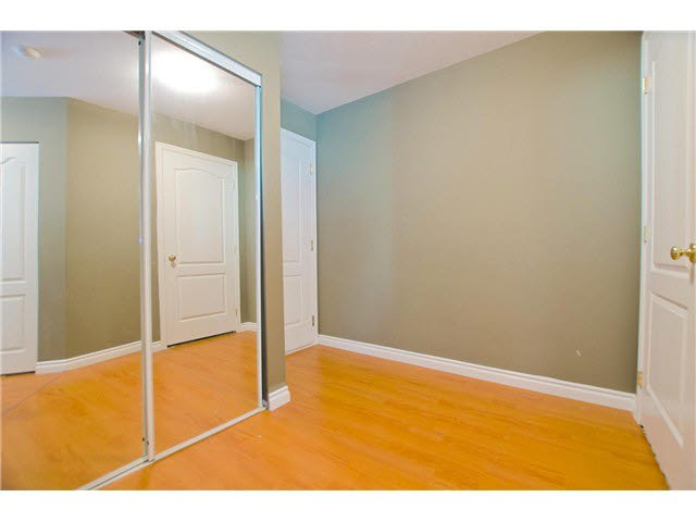 """Photo 11: Photos: 306 5759 GLOVER Road in Langley: Langley City Condo for sale in """"College Court"""" : MLS®# F1430779"""