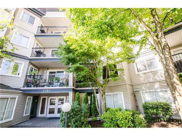 """Photo 2: Photos: 306 5759 GLOVER Road in Langley: Langley City Condo for sale in """"College Court"""" : MLS®# F1430779"""