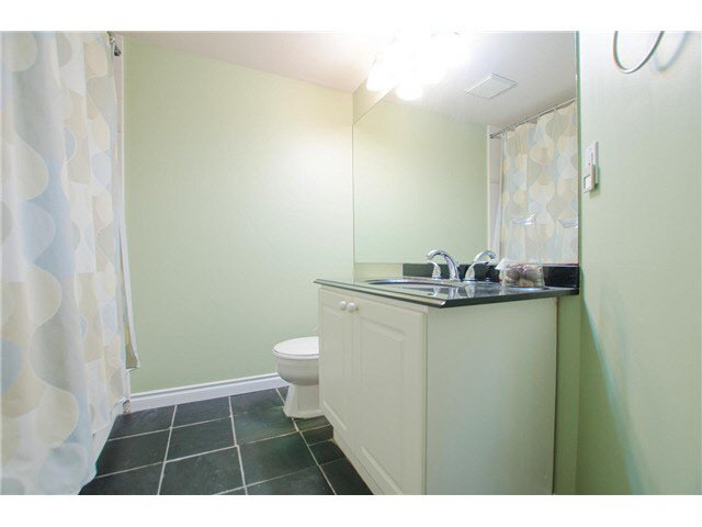 """Photo 9: Photos: 306 5759 GLOVER Road in Langley: Langley City Condo for sale in """"College Court"""" : MLS®# F1430779"""