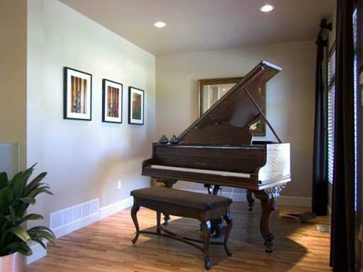 Photo 5: Photos: 4132 ETON Street in Burnaby: Vancouver Heights House for sale (Burnaby North)  : MLS®# V615432