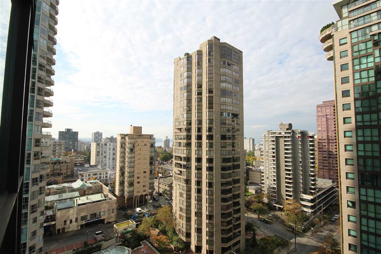 Main Photo: 1807 1331 ALBERNI Street in Vancouver: West End VW Condo for sale (Vancouver West)  : MLS®# R2009426