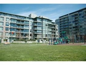 "Main Photo: 105 750 WEST 12TH Avenue in Vancouver: Fairview VW Condo for sale in ""TAPESTRY"" (Vancouver West)  : MLS®# R2133371"