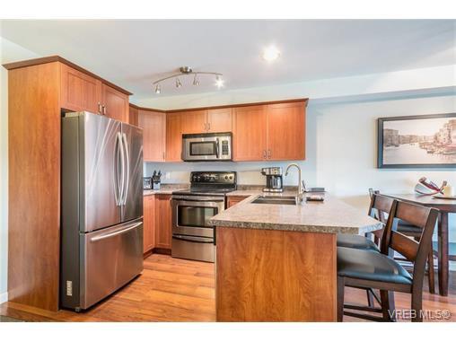 Main Photo: 208 655 Goldstream Avenue in VICTORIA: La Fairway Condo Apartment for sale (Langford)  : MLS®# 375276