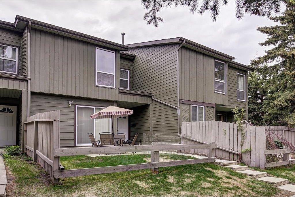Main Photo: 420 GRIER AV NE in Calgary: Greenview House for sale