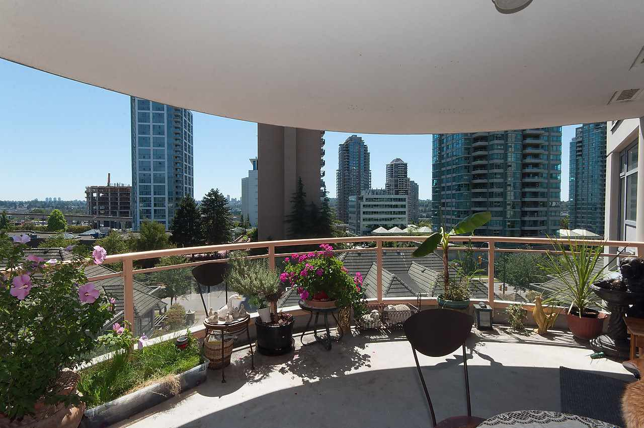 """Photo 12: Photos: 504 4425 HALIFAX Street in Burnaby: Brentwood Park Condo for sale in """"POLARIS"""" (Burnaby North)  : MLS®# R2184212"""