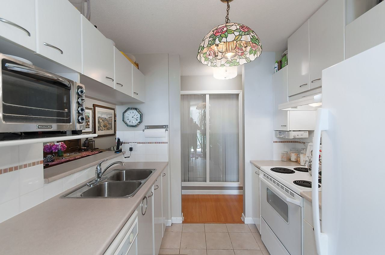 """Photo 5: Photos: 504 4425 HALIFAX Street in Burnaby: Brentwood Park Condo for sale in """"POLARIS"""" (Burnaby North)  : MLS®# R2184212"""