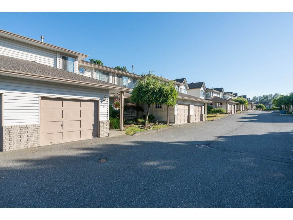 "Main Photo: 2 2575 MCADAM Road in Abbotsford: Abbotsford East Townhouse for sale in ""Sunnyhill Terrace"" : MLS®# R2185058"