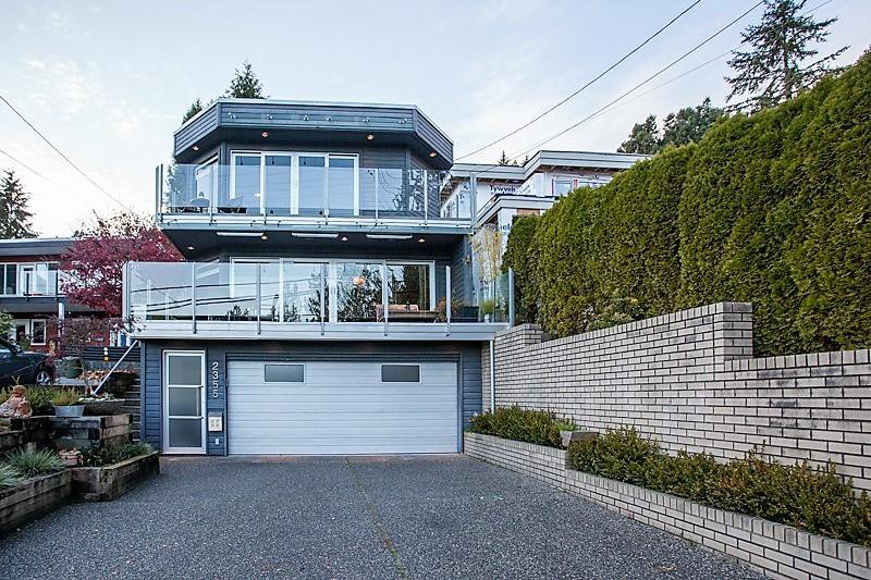 Photo 2: Photos: 2355 PANORAMA Drive in North Vancouver: Deep Cove House for sale : MLS®# R2220333