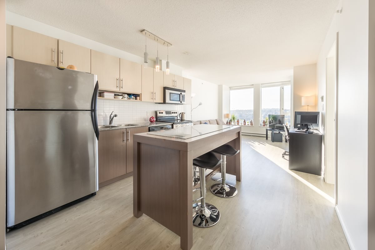"""Main Photo: 1910 550 TAYLOR Street in Vancouver: Downtown VW Condo for sale in """"THE TAYLOR"""" (Vancouver West)  : MLS®# R2324086"""