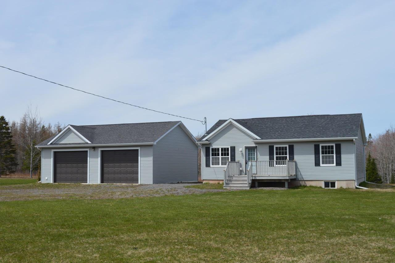 Main Photo: 685 - 689 Kerrs Mill Road in Kerrs Mill: 102N-North Of Hwy 104 Residential for sale (Northern Region)  : MLS®# 201828420