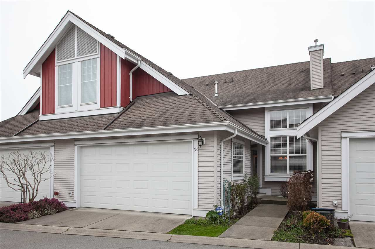 "Photo 1: Photos: 32 16995 64 Avenue in Surrey: Cloverdale BC Townhouse for sale in ""Lexington"" (Cloverdale)  : MLS®# R2330833"