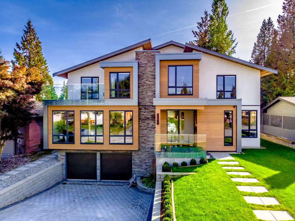 Main Photo: 1740 GROVER Avenue in Coquitlam: Central Coquitlam House for sale : MLS®# R2336363