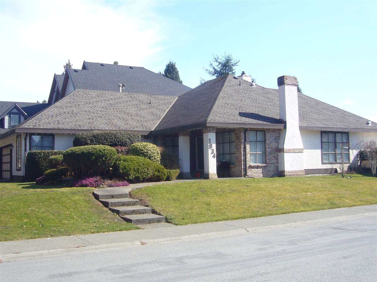 """Main Photo: 1834 145 Street in Surrey: Sunnyside Park Surrey House for sale in """"the Glens"""" (South Surrey White Rock)  : MLS®# R2350451"""