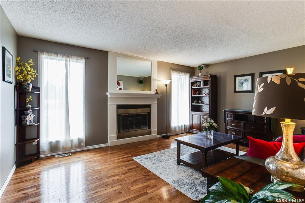 Photo 4: Photos: 323 Addie Crescent in Saskatoon: Forest Grove Residential for sale : MLS®# SK767465