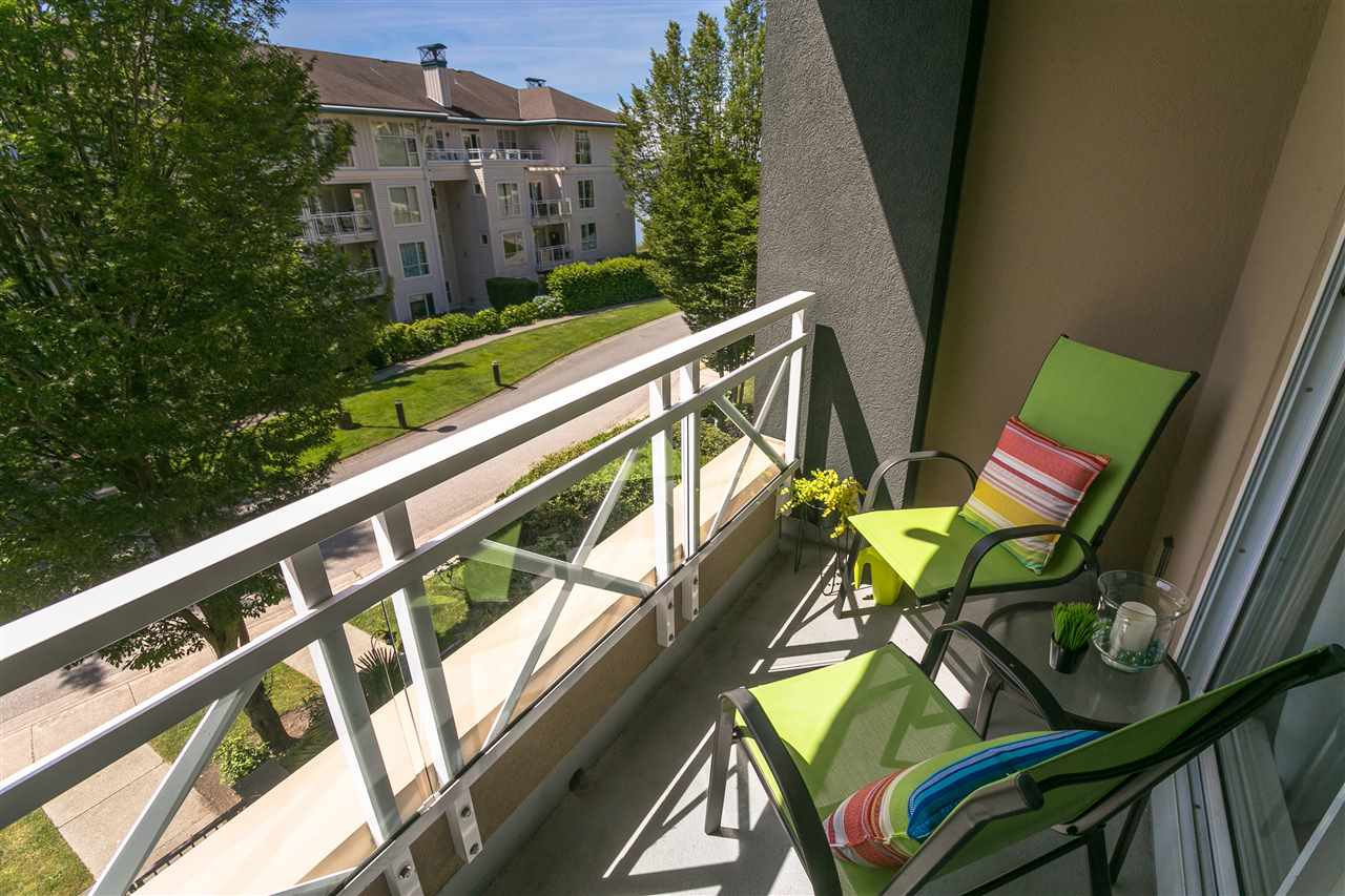 """Photo 15: Photos: 307 3600 WINDCREST Drive in North Vancouver: Roche Point Condo for sale in """"WINDSONG AT RAVENWOODS"""" : MLS®# R2381678"""