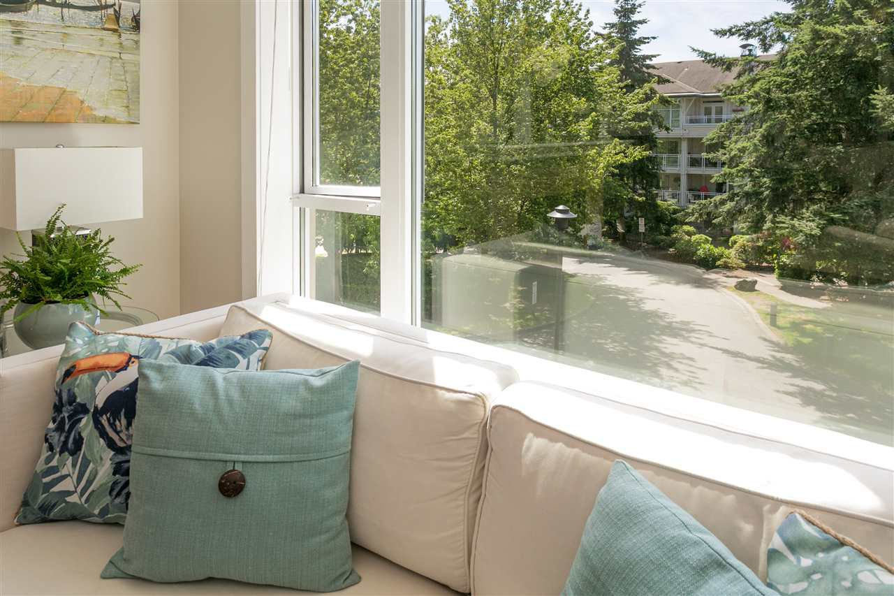 """Photo 4: Photos: 307 3600 WINDCREST Drive in North Vancouver: Roche Point Condo for sale in """"WINDSONG AT RAVENWOODS"""" : MLS®# R2381678"""