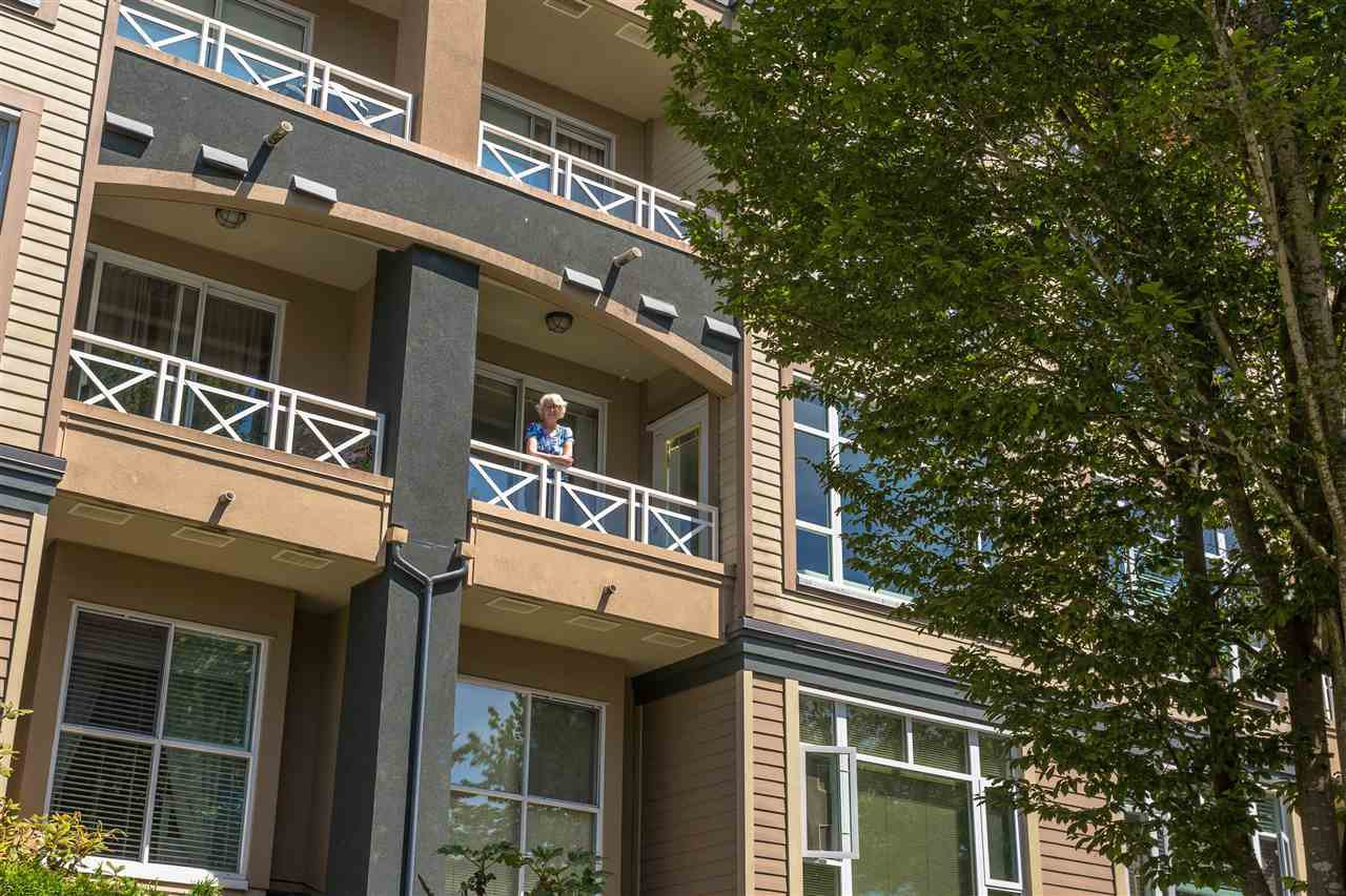 """Photo 18: Photos: 307 3600 WINDCREST Drive in North Vancouver: Roche Point Condo for sale in """"WINDSONG AT RAVENWOODS"""" : MLS®# R2381678"""