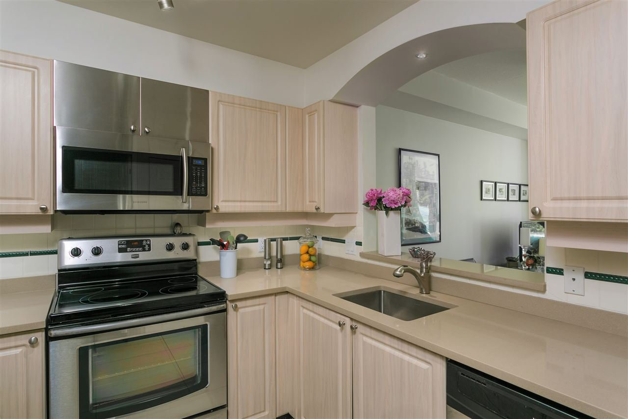 """Photo 9: Photos: 307 3600 WINDCREST Drive in North Vancouver: Roche Point Condo for sale in """"WINDSONG AT RAVENWOODS"""" : MLS®# R2381678"""