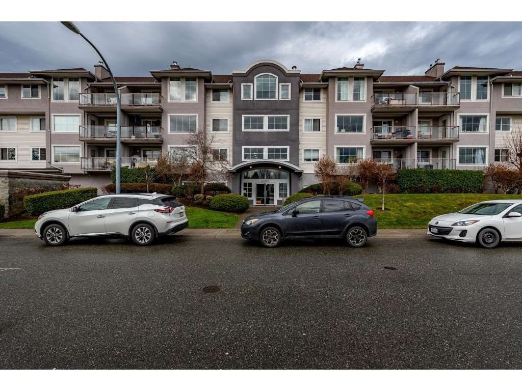 "Main Photo: 307 33599 2ND Avenue in Mission: Mission BC Condo for sale in ""Stave Lake Landing"" : MLS®# R2424378"
