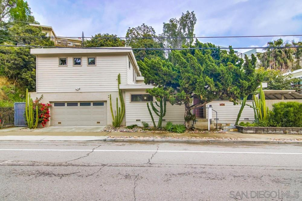 Main Photo: MISSION HILLS House for sale : 3 bedrooms : 2811 Reynard Way in San Diego