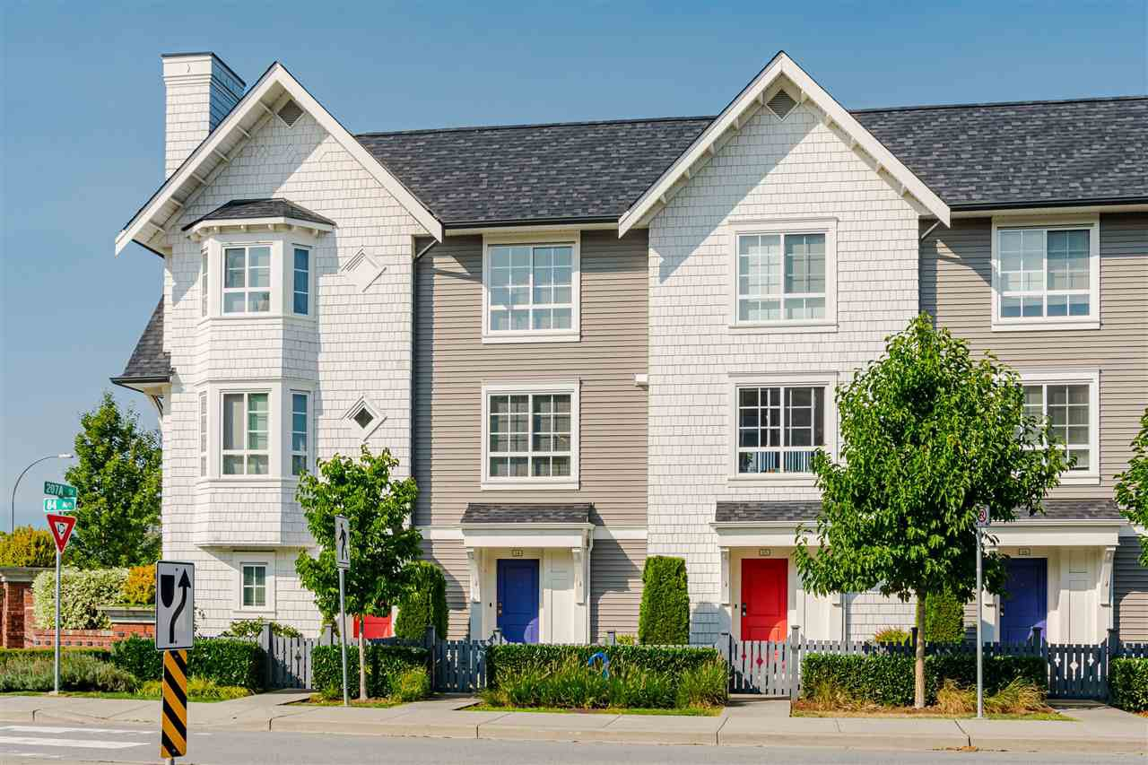 "Main Photo: 14 8438 207A Street in Langley: Willoughby Heights Townhouse for sale in ""YORK BY Mosaic"" : MLS®# R2494521"