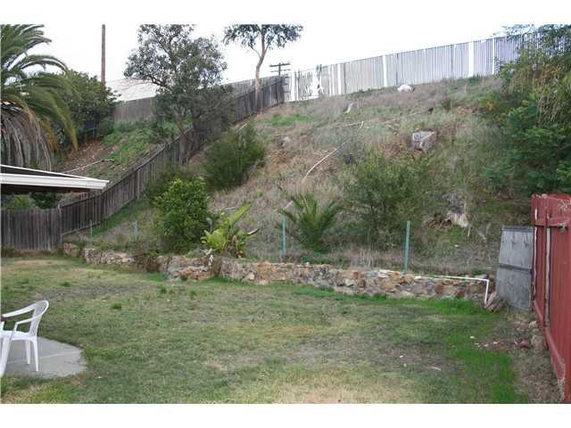 Photo 10: Photos: LA MESA House for sale : 3 bedrooms : 6315 Meadowcrest Drive