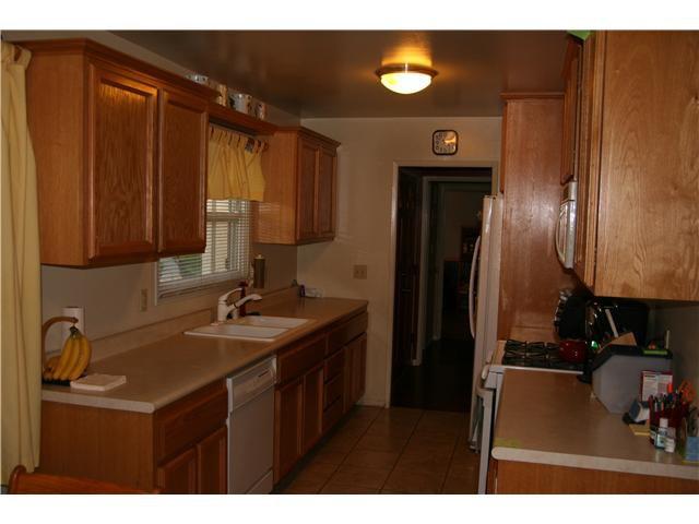 Photo 3: Photos: LA MESA House for sale : 3 bedrooms : 6315 Meadowcrest Drive