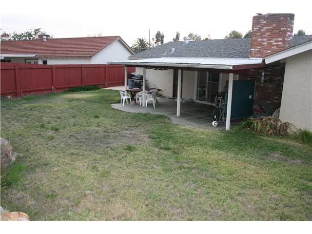 Photo 12: Photos: LA MESA House for sale : 3 bedrooms : 6315 Meadowcrest Drive