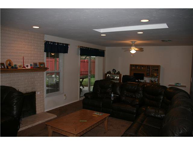 Photo 2: Photos: LA MESA House for sale : 3 bedrooms : 6315 Meadowcrest Drive