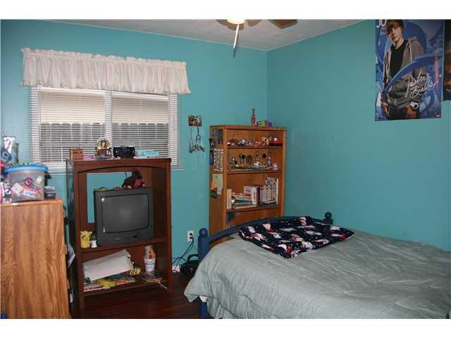 Photo 9: Photos: LA MESA House for sale : 3 bedrooms : 6315 Meadowcrest Drive
