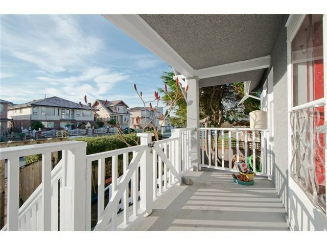 Photo 2: Photos: 1699 E 21ST Avenue in Vancouver: Knight House for sale (Vancouver East)  : MLS®# V1039025