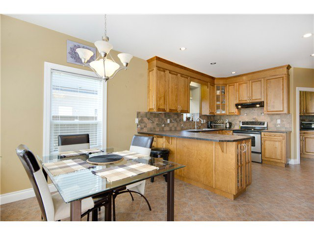 """Photo 9: Photos: 15322 57TH Avenue in Surrey: Sullivan Station House for sale in """"SULLIVAN STATION"""" : MLS®# F1440119"""