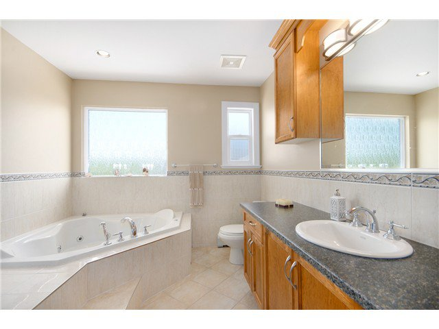 """Photo 14: Photos: 15322 57TH Avenue in Surrey: Sullivan Station House for sale in """"SULLIVAN STATION"""" : MLS®# F1440119"""