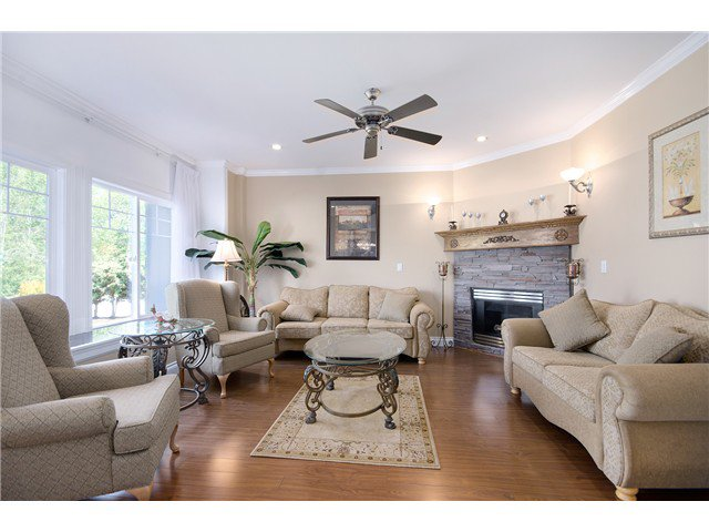 """Photo 5: Photos: 15322 57TH Avenue in Surrey: Sullivan Station House for sale in """"SULLIVAN STATION"""" : MLS®# F1440119"""
